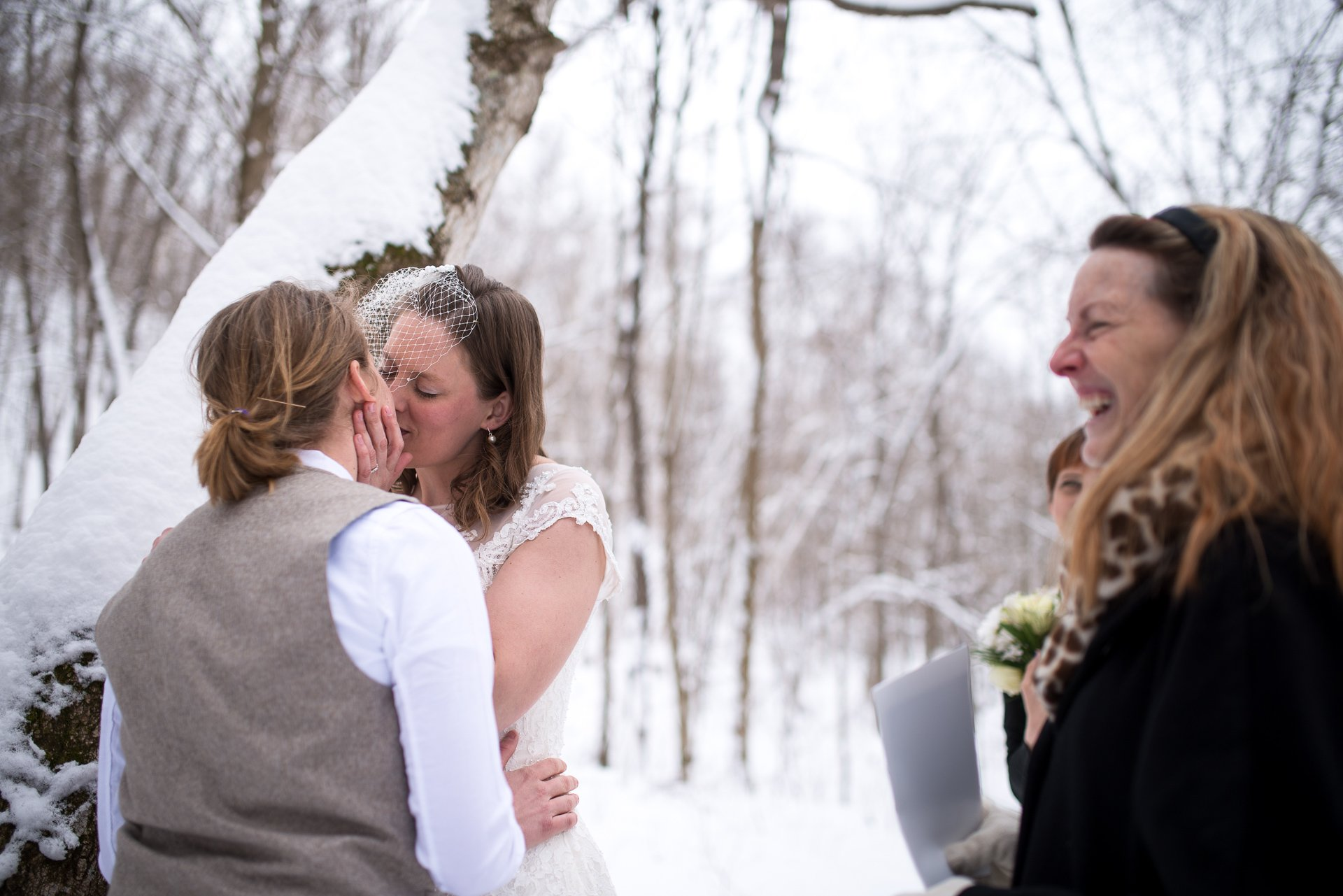 Wisconsin Wedding Photographers Kiss