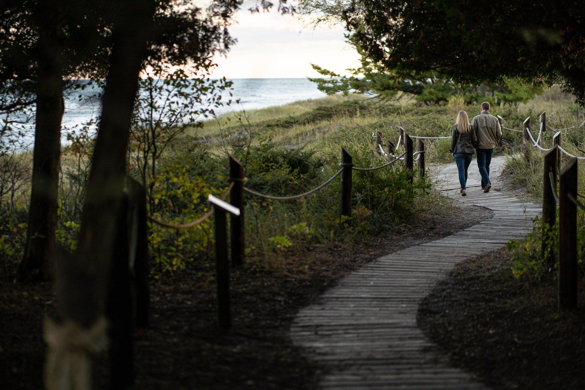lakeshore-curve-path-couple