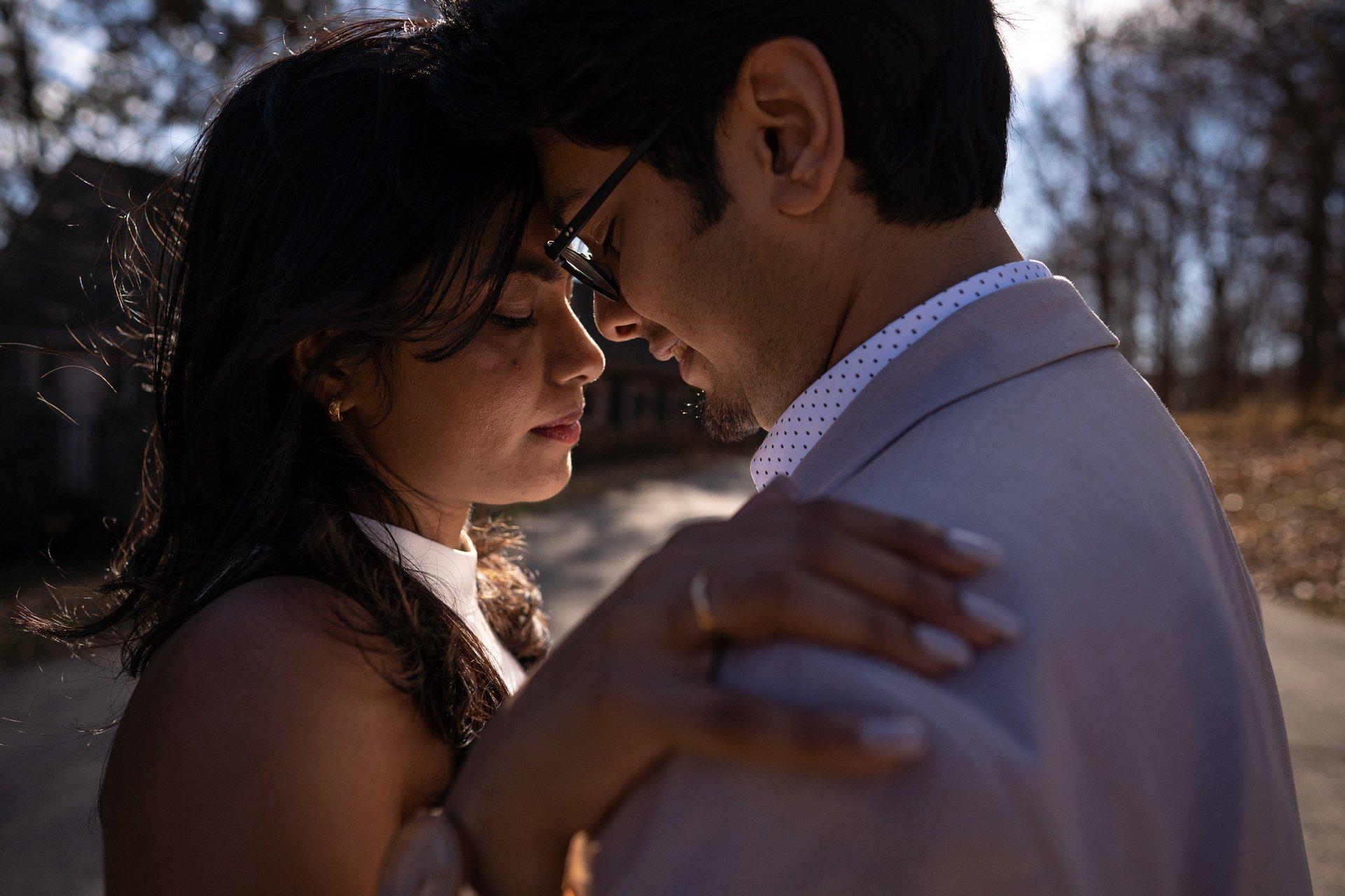intimate-engaged-couple-photography