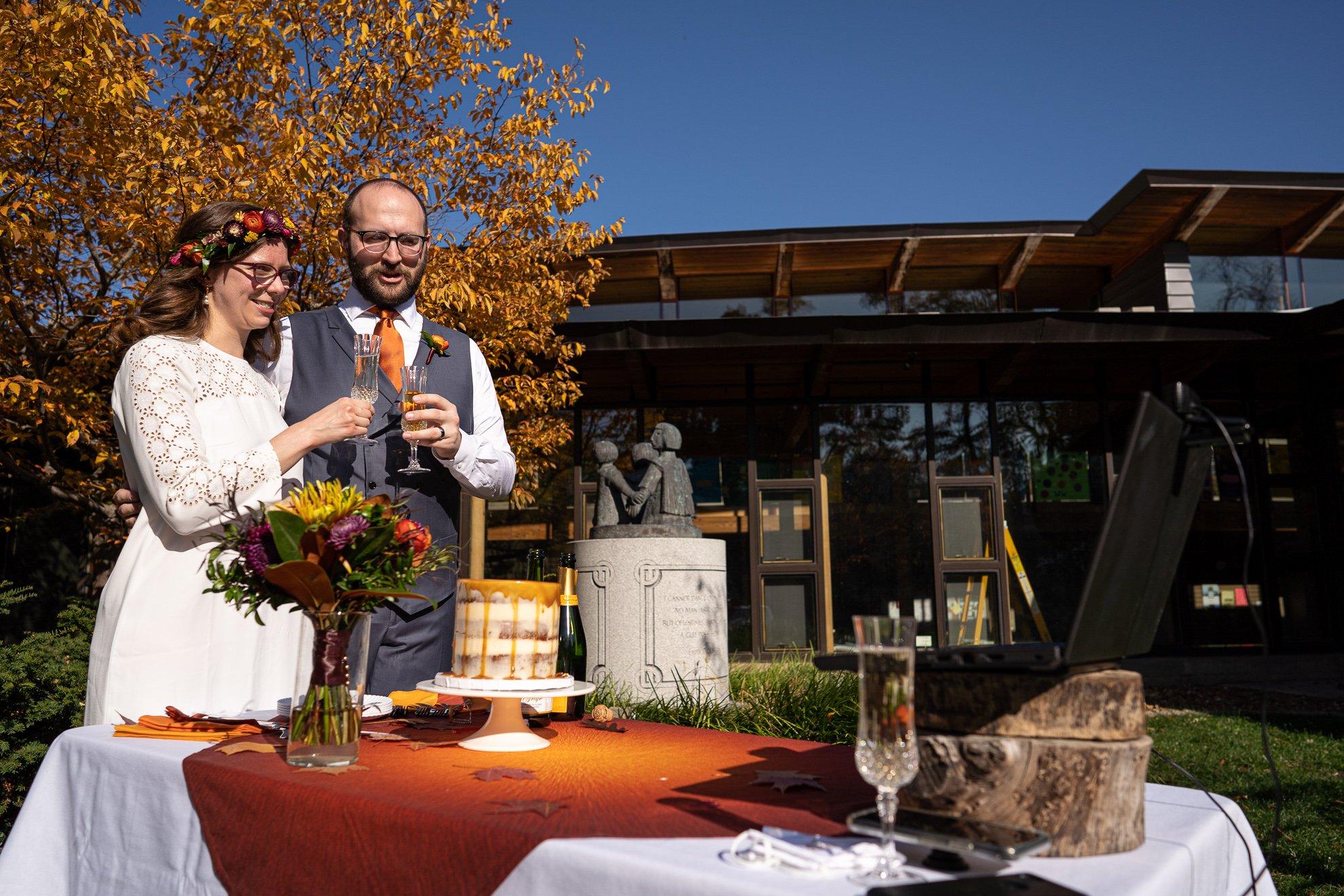 wedding photographers madison wi cheers cake