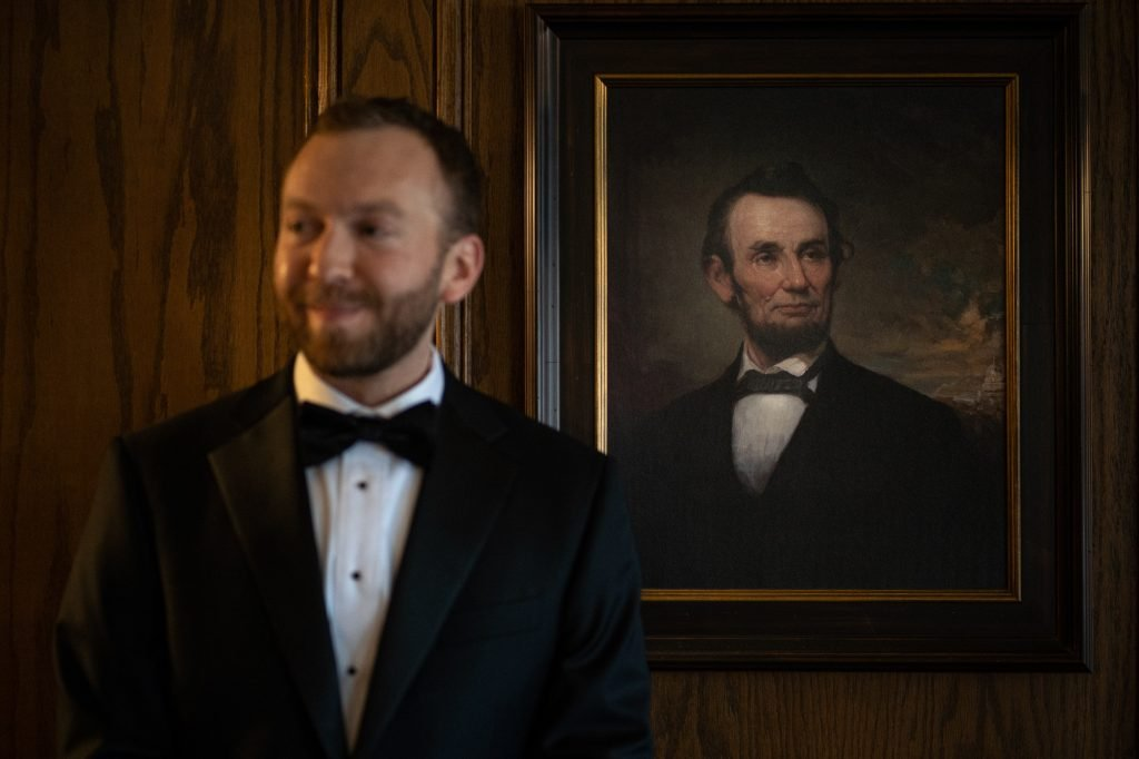 wedding photography wisconsin groom Abraham Lincoln