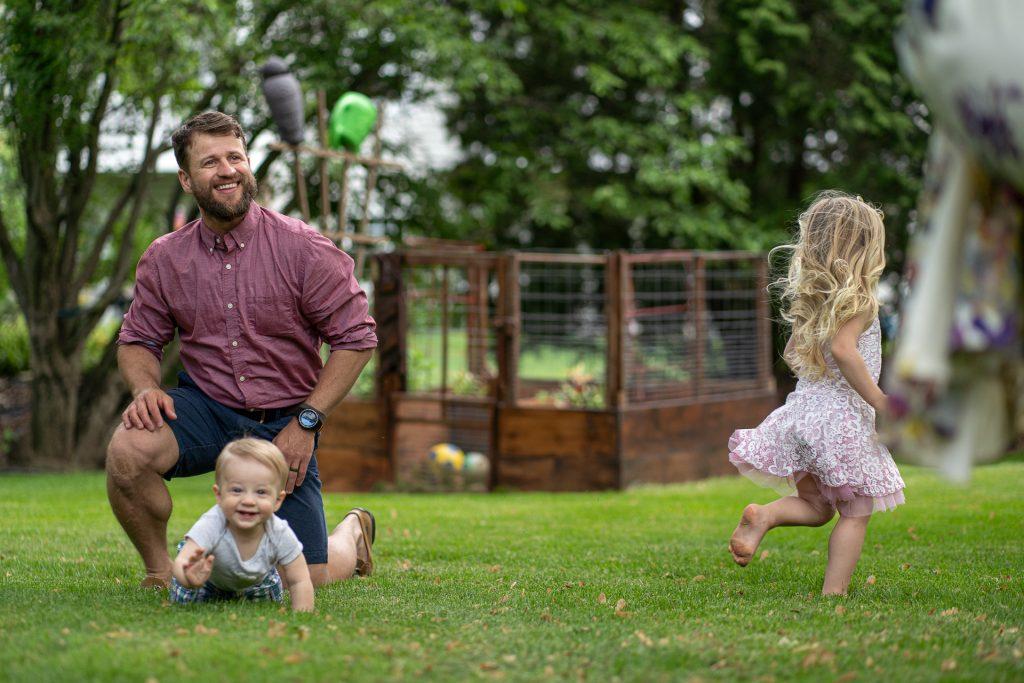 backyard fun family photos