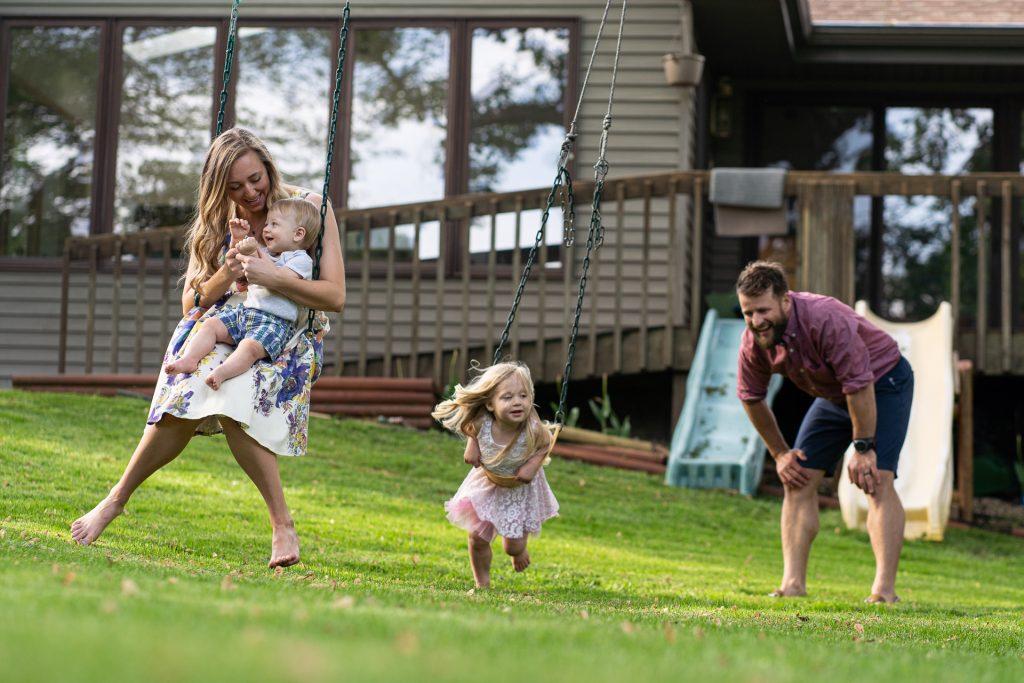 family fun backyard swing